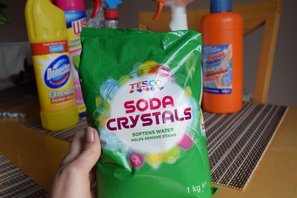 Soda oczyszczona zamiast chemii. Ile zaoszczędziłam na sprzątaniu