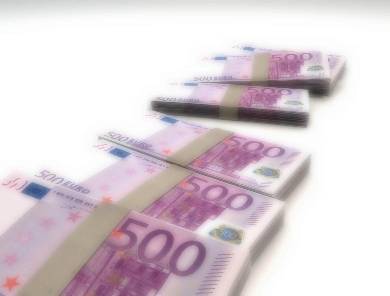 Przelew z Irlandii do Polski. Jak tanio przesłać pieniądze i z zyskiem wymienić waluty.