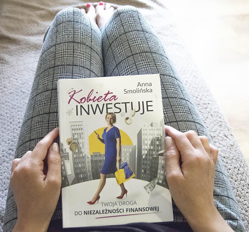 Kobieta inwestuje