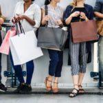 Jak kupować ubrania i zachować równowagę finansową?