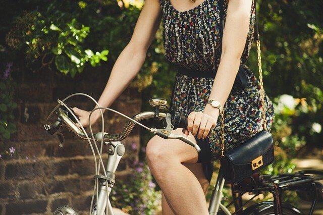 zaoszczędzić jeżdżąc rowerem